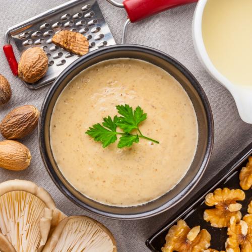 Salsa de nous, la recepta més senzilla per a acompanyar les teves receptes festives
