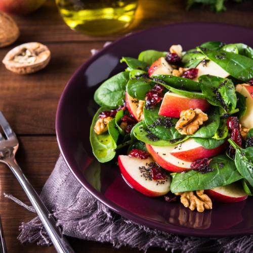 El papel de las nueces en las dietas vegetarianas y veganas